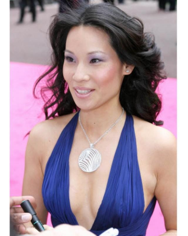 Lucy Liu hot cleavage pictures (2)