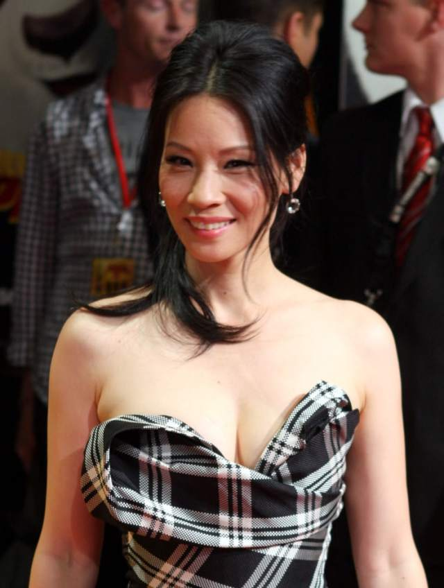 Lucy Liu sexy busty picture