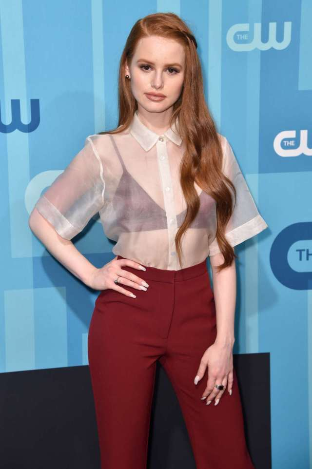 Madelaine Petsch cleavage pictures (2)