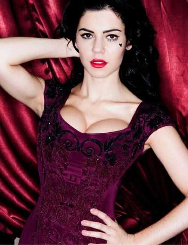 Marina Lambrini Diamandis boobs pictures (1)