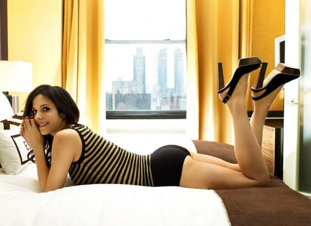 Mary-Louise Parker sexy feet pic