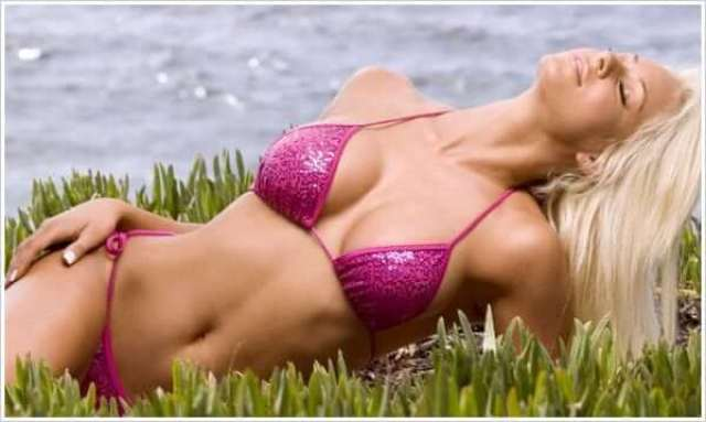 Maryse Ouellet awesome pictures (2)