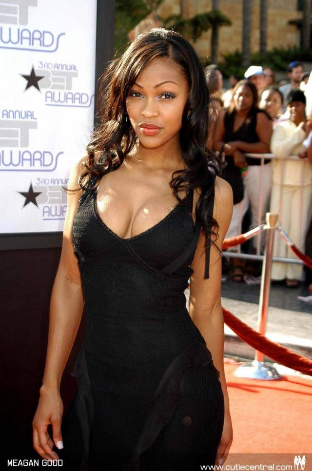 Meagan Good hot cleavage (1)
