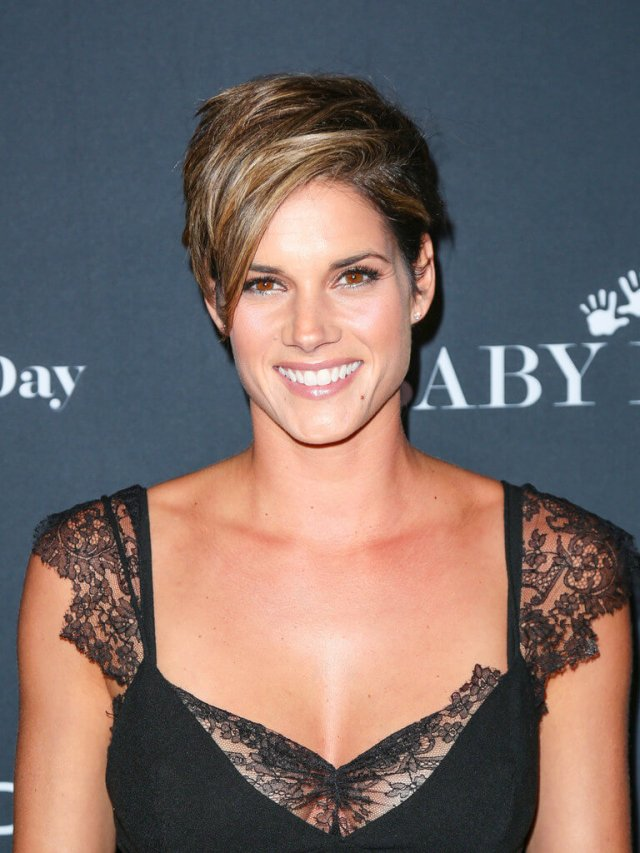 Missy Peregrym hot boobs pictures (4)