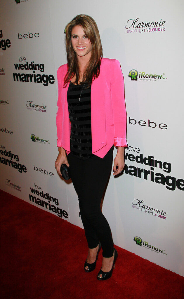 Missy Peregrym hot lokk pictures (3)