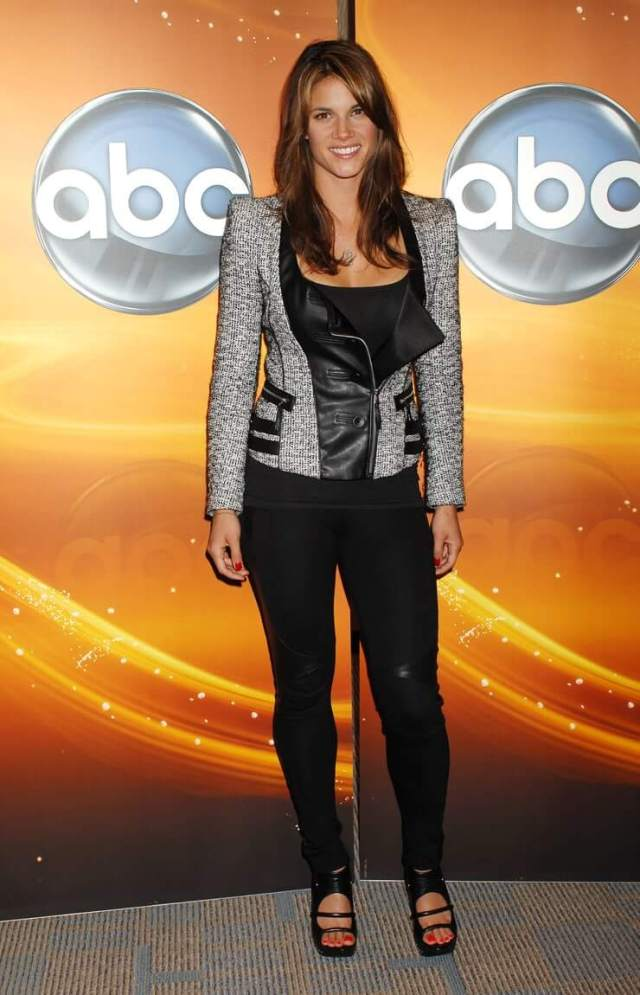 Missy Peregrym hot pictures