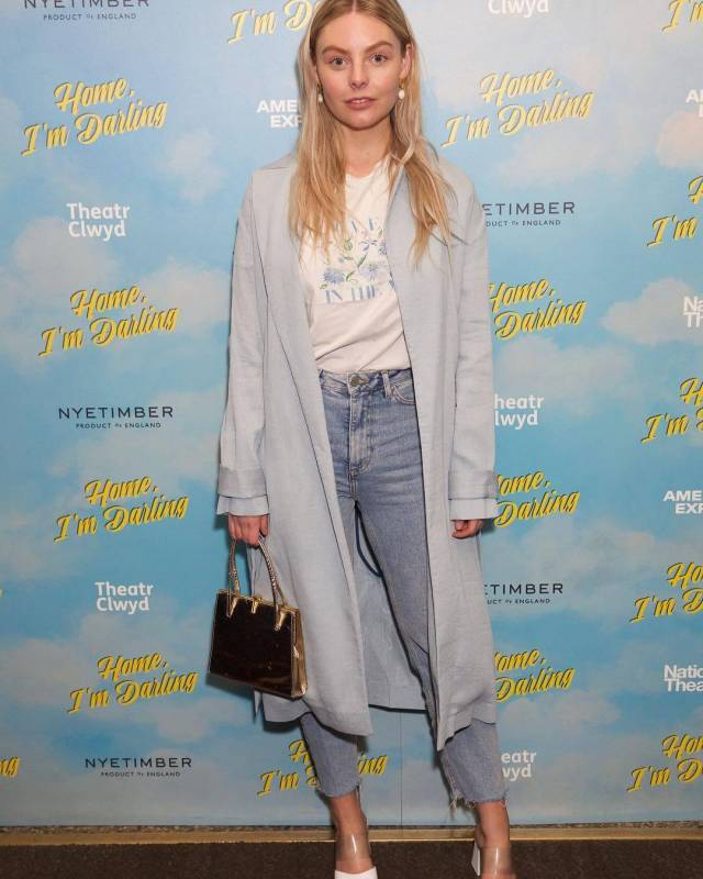 Nell Hudson awesome (2)