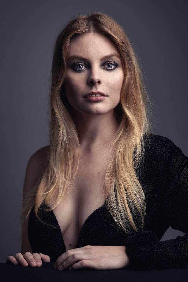 Nell Hudson sexy cleavage pic