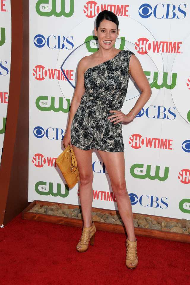 Paget-Brewster feet pic