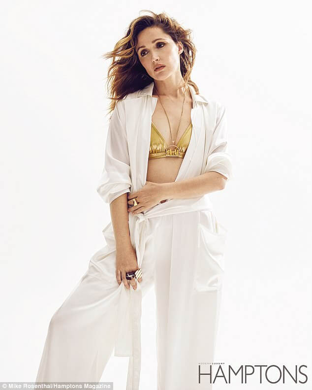 Rose Byrne awesome pics (1)