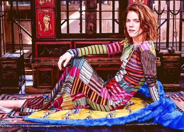 Rose Leslie awesome look
