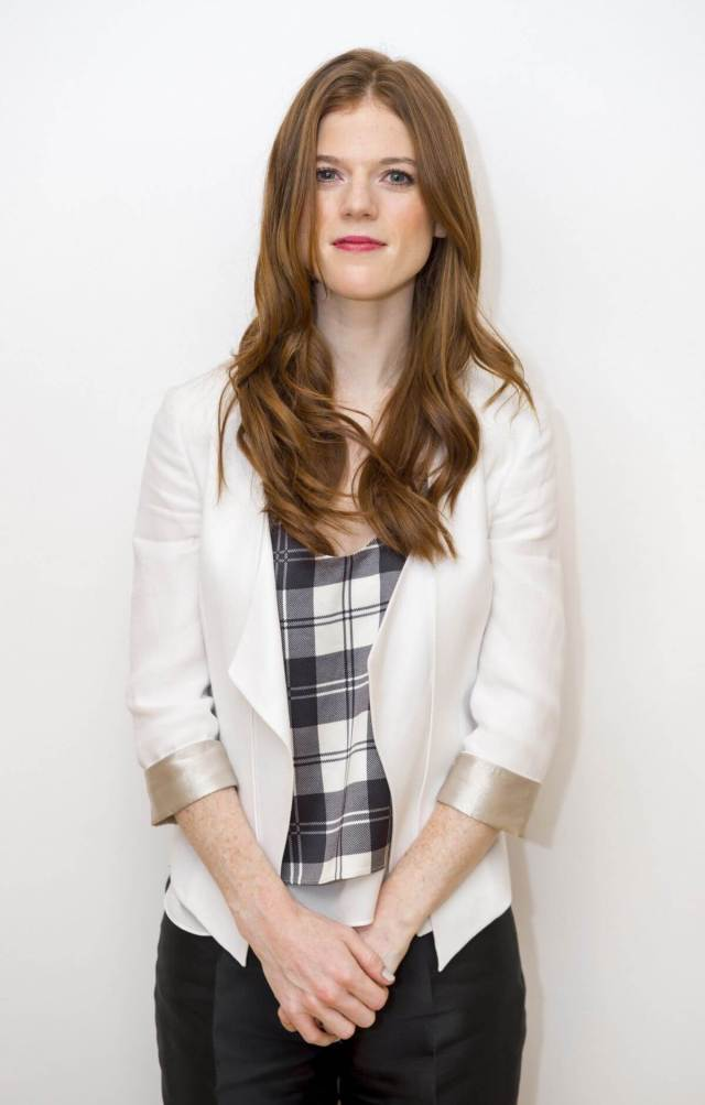 Rose Leslie sexy look pic