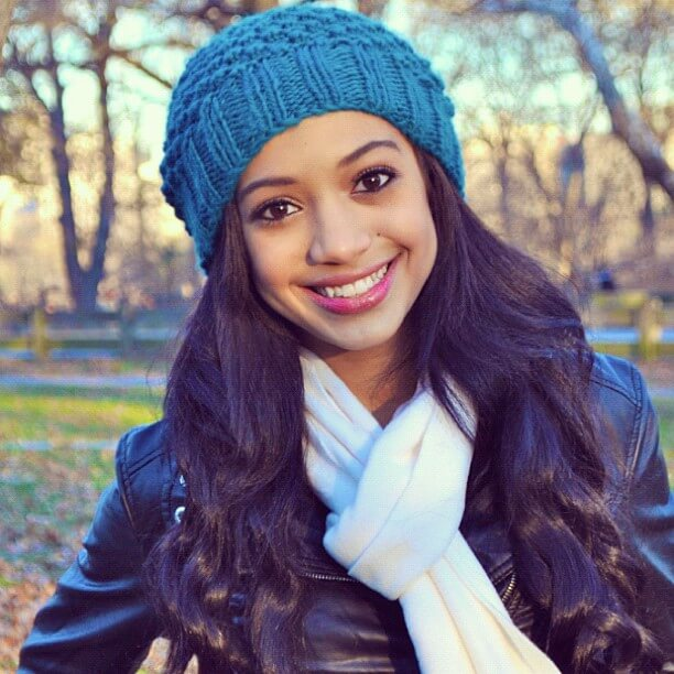 Samantha Logan beautiful picture