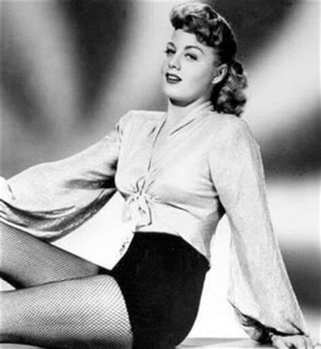 Shelley Winters awsome pictures