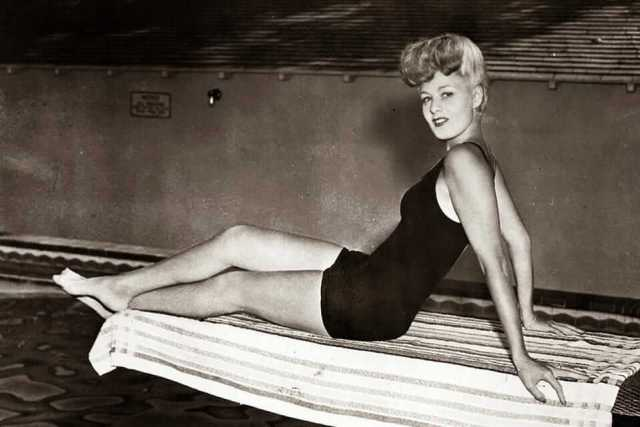Shelley Winters hot thigh pics (5)