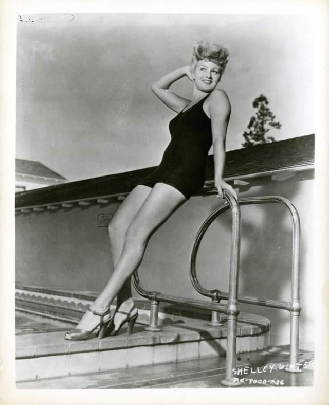 Shelley Winters sexy legs pics (1)
