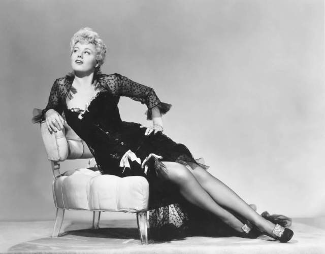 Shelley Winters sexy pictures (5)