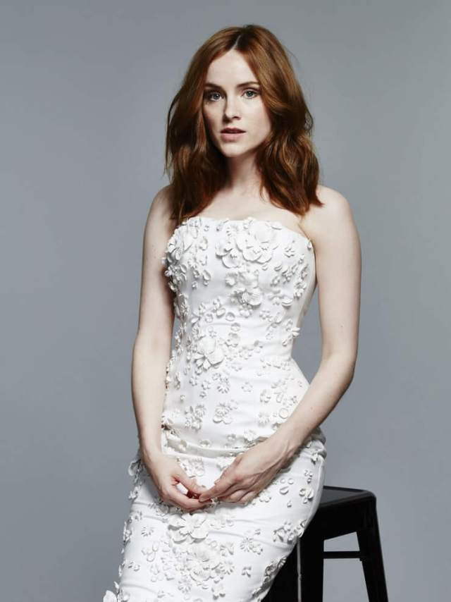 Sophie Rundle sexy white dress pic