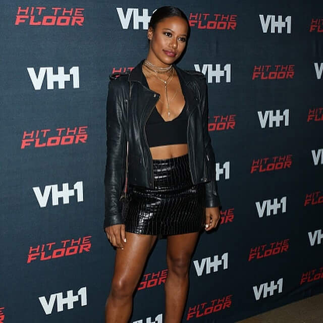 Taylour Paige cleavage
