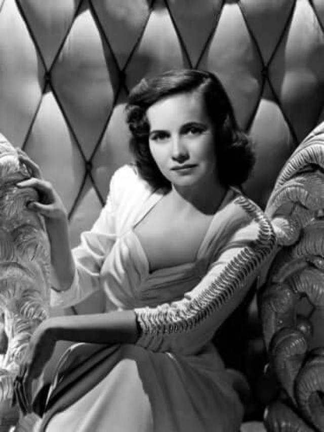 Teresa Wright hot pictures (3)