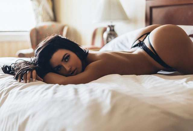 abigail-ratchford-beautiful-pictures-1024x695