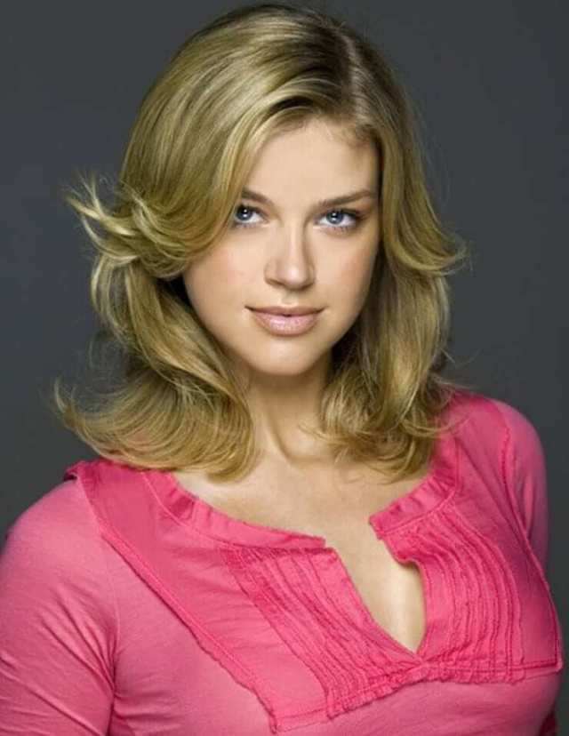 adrianne palicki sexy cleavage (3)