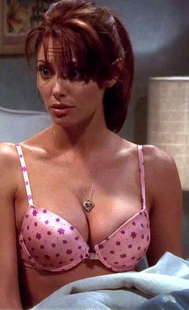april bowlby hot boobs pictures (3)
