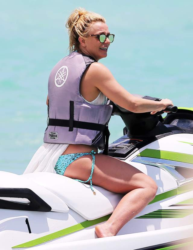 britney spears awesome pictures