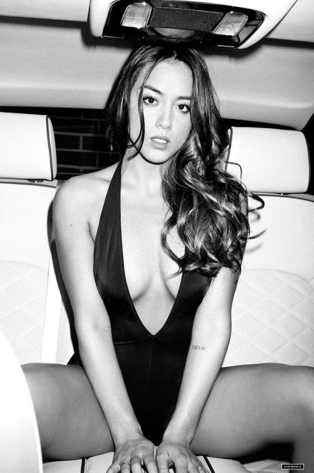 chloe bennet cleavage picture