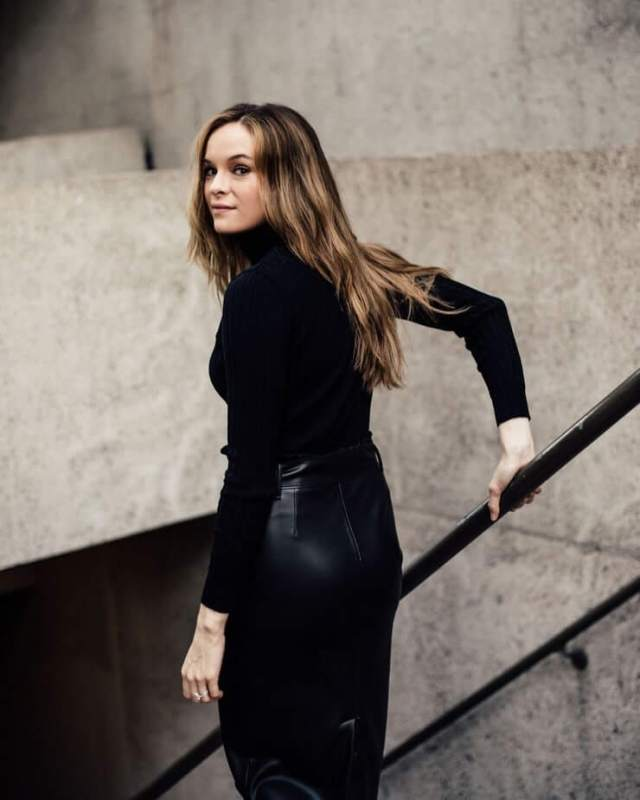 danielle panabaker big booty (1)