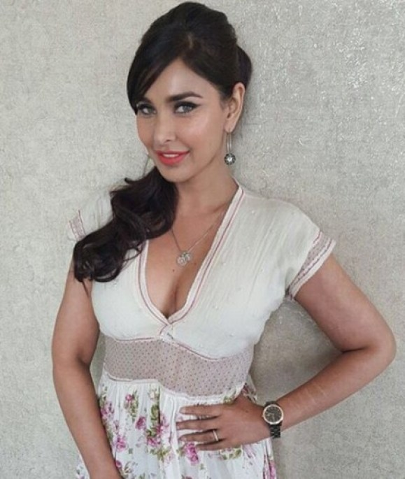 lisa ray awesome pictures (9)