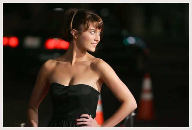 mary elizabeth winstead hot boobs pictures (2)