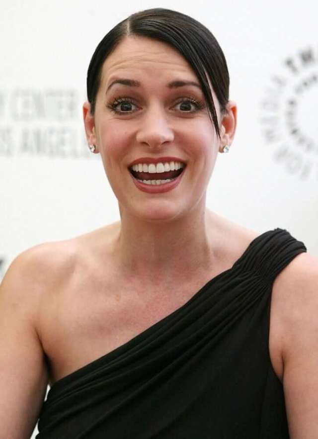 paget-brewster-sexy-look
