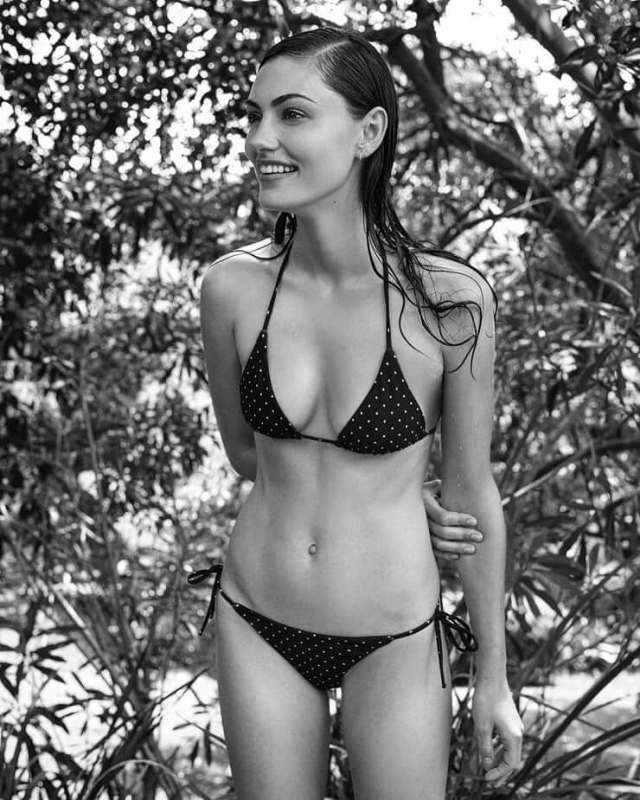 phoebe tonkin lingerie pictures (2)