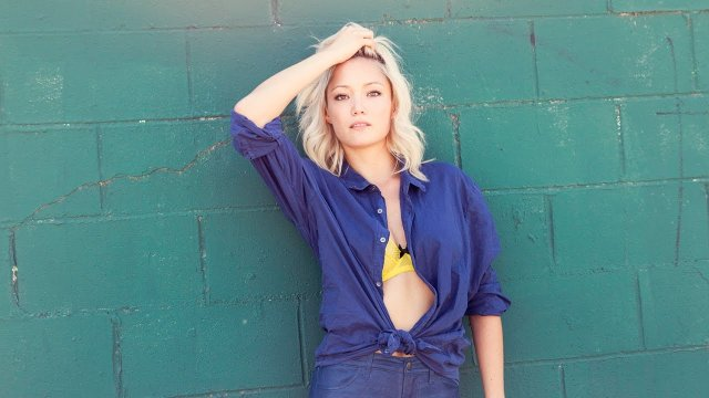 pom klementieff sexy cleavage pics