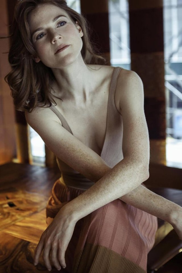 rose leslie sexy pic