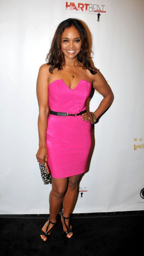 sharon leal awesome look pic (1)
