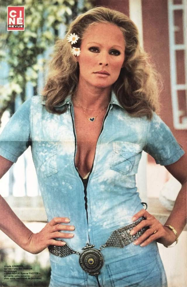 ursula-andress hot pictures