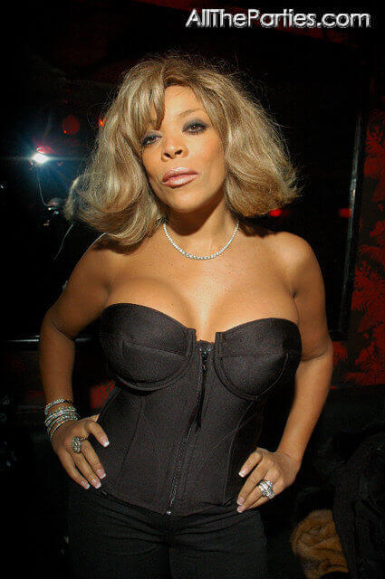 wendy-williams-hot-cleavage