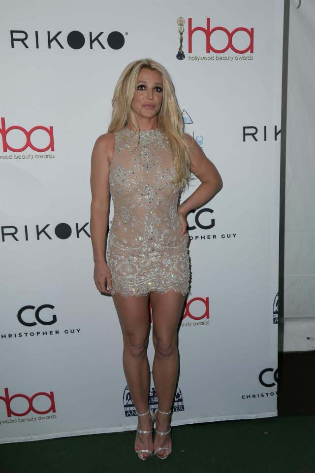 Britney Spears hot legs pictures (3)