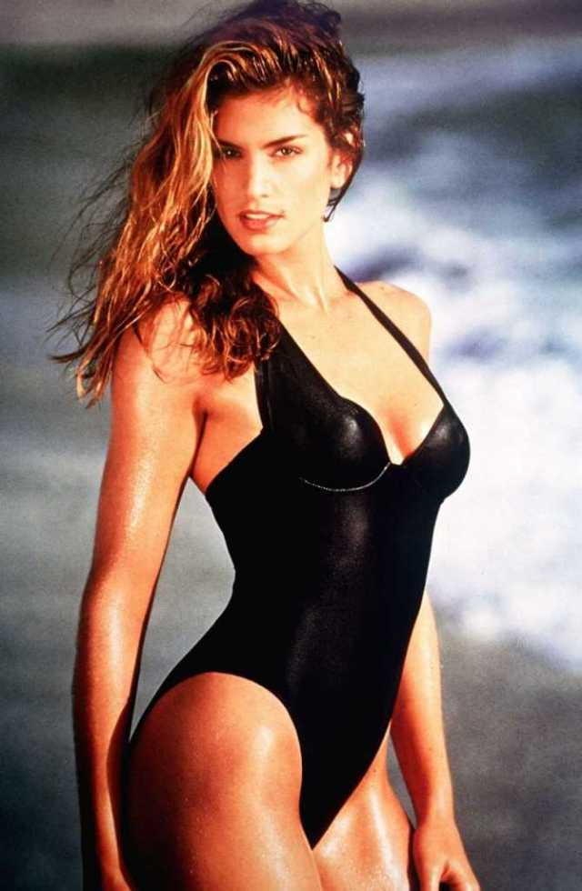 Cindy Crawford sexy black lingerie