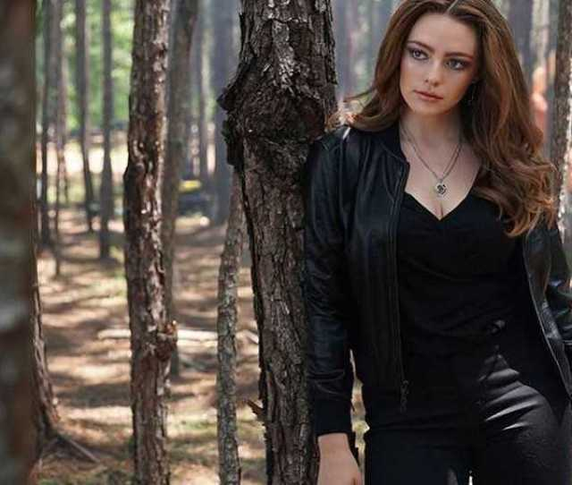 Danielle Rose Russell Hot Pictures Will Drive You Nuts For Her