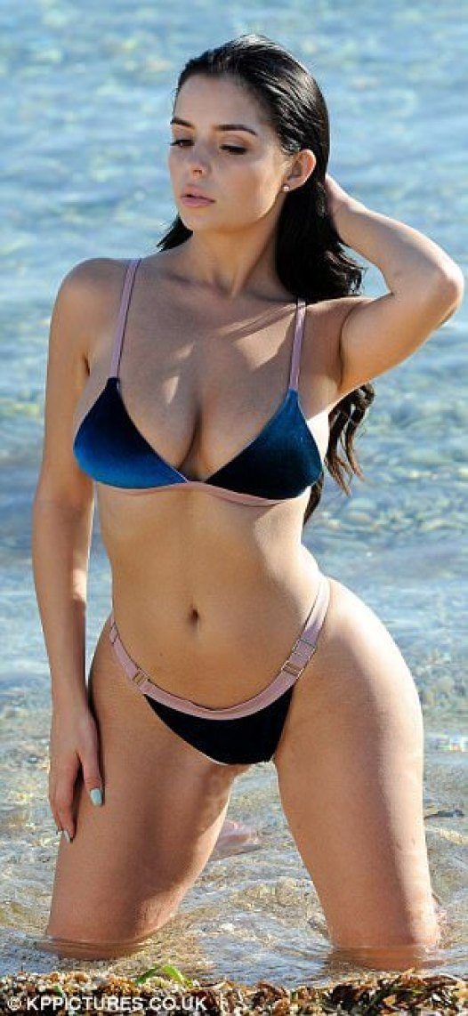 Demi Rose hot cleavage pictures (3)