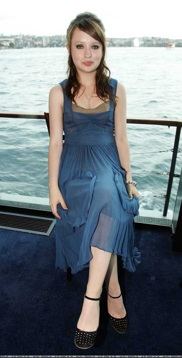 Emily Browning sexy pictures (4)