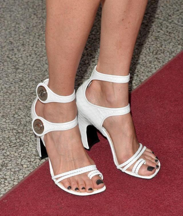 Jennifer Connelly sexy feet picture
