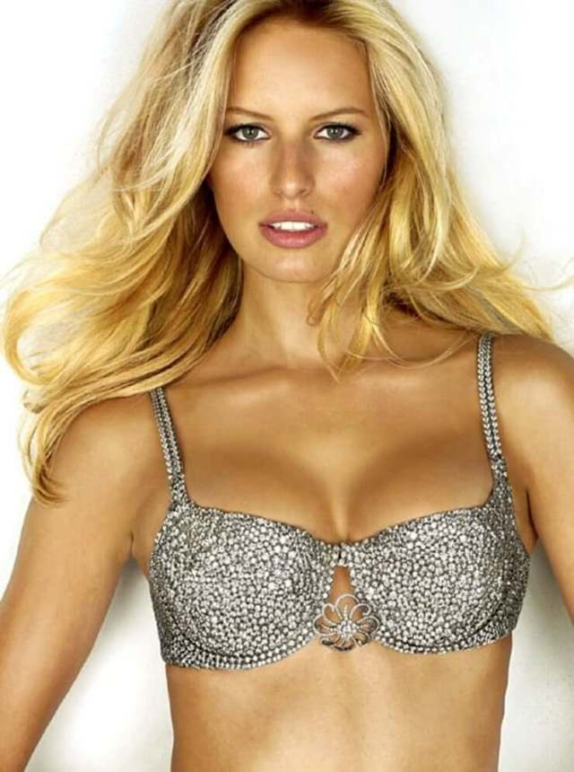 Karolina Kurkova hot boobs