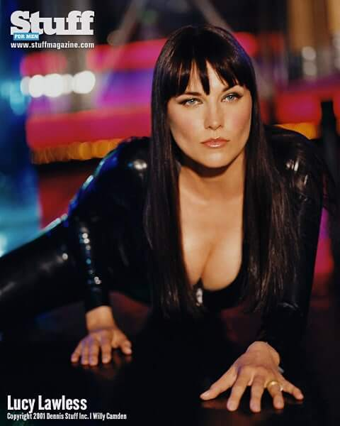 Lucy Lawless boobs
