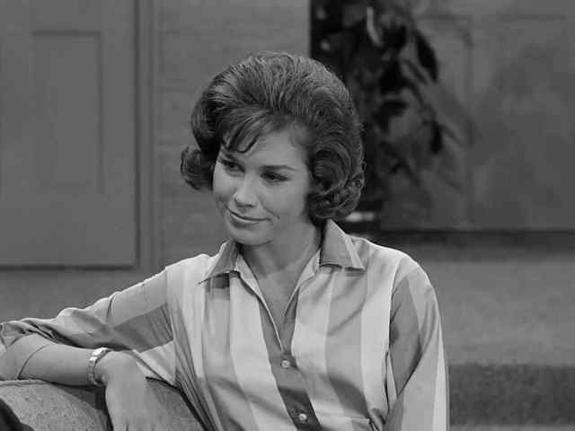 Mary Tyler Moore lovely