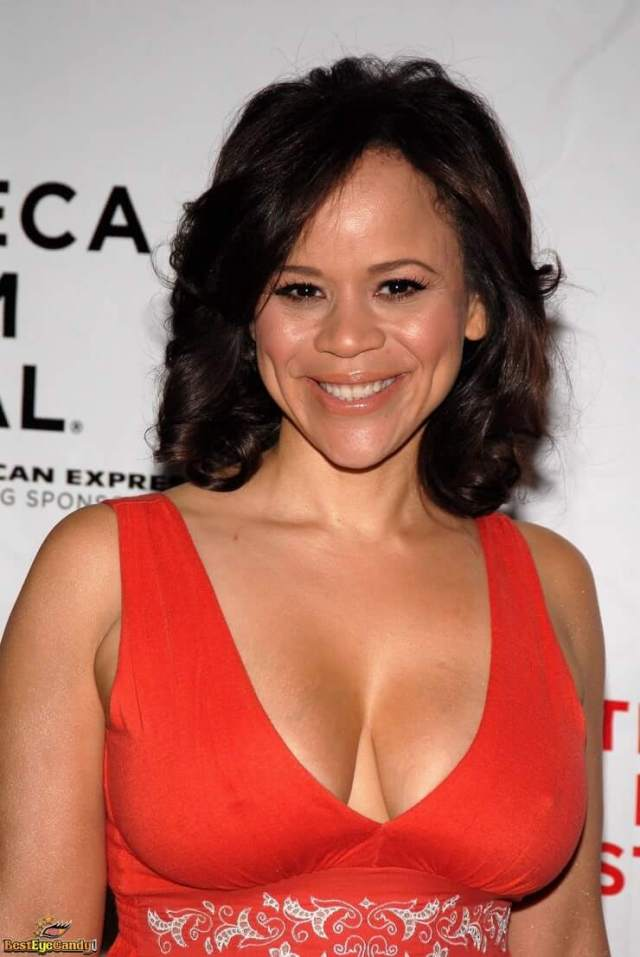 Rosie Perez hot boobs pics