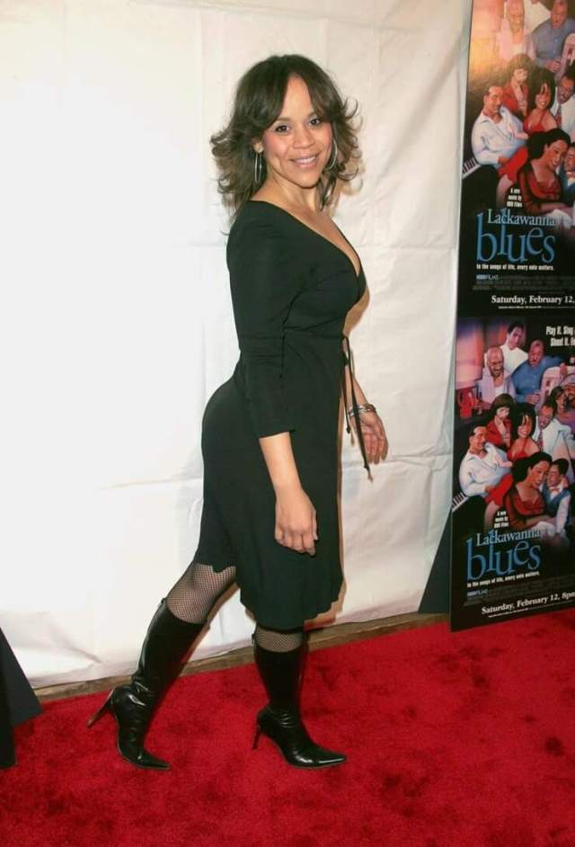 Rosie Perez hot butt pics